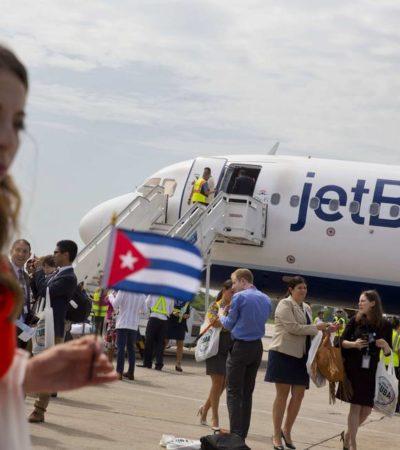 Aterriza en Santa Clara el primer vuelo comercial entre EU y Cuba en más de medio siglo