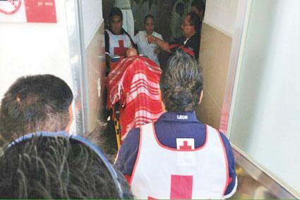 TURISTA PROPELADA EN CANCÚN: Mujer canadiense sufre heridas en sus piernas durante paseo en una embarcación