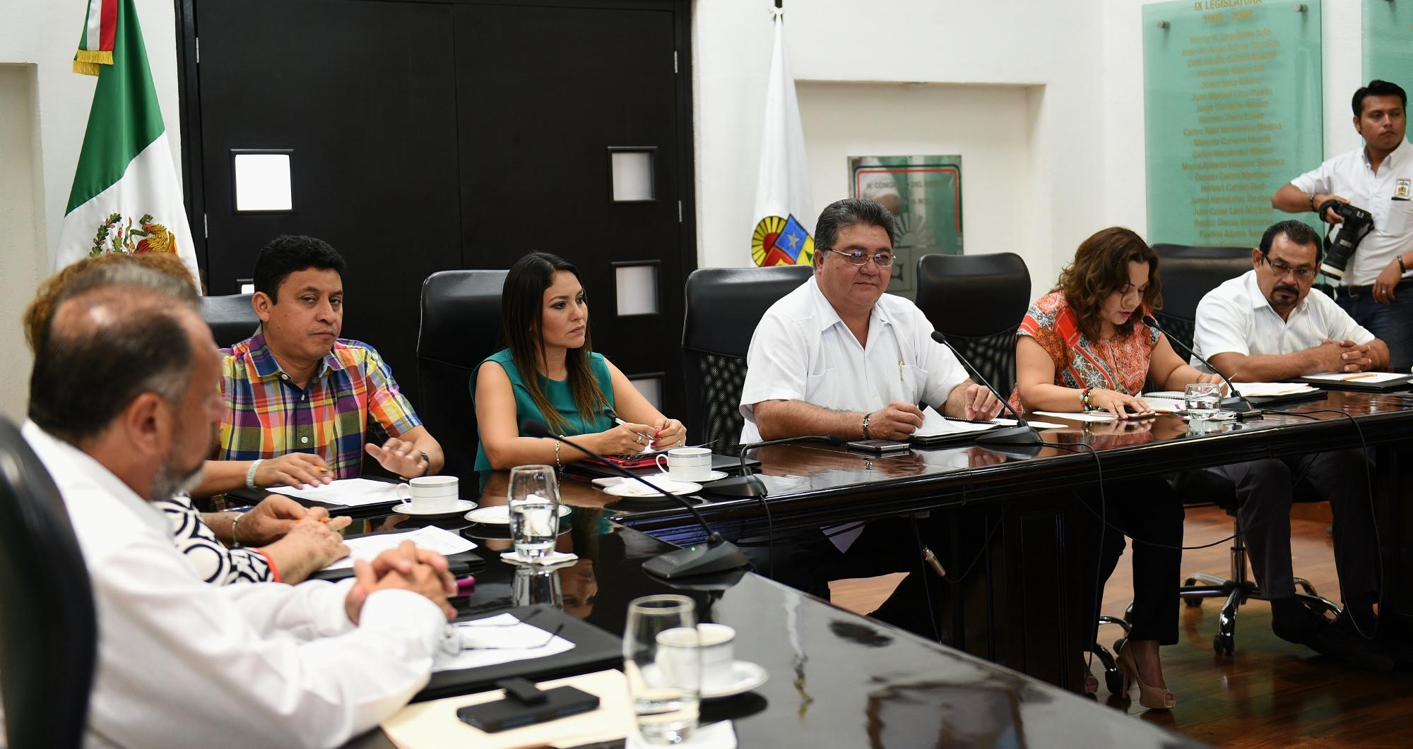 SEPULTAN TRIBUNAL BORGISTA DE JUSTICIA ADMINISTRATIVA: Avalan municipios reformas constitucionales que dan reversa a una parte del 'paquete de impunidad'