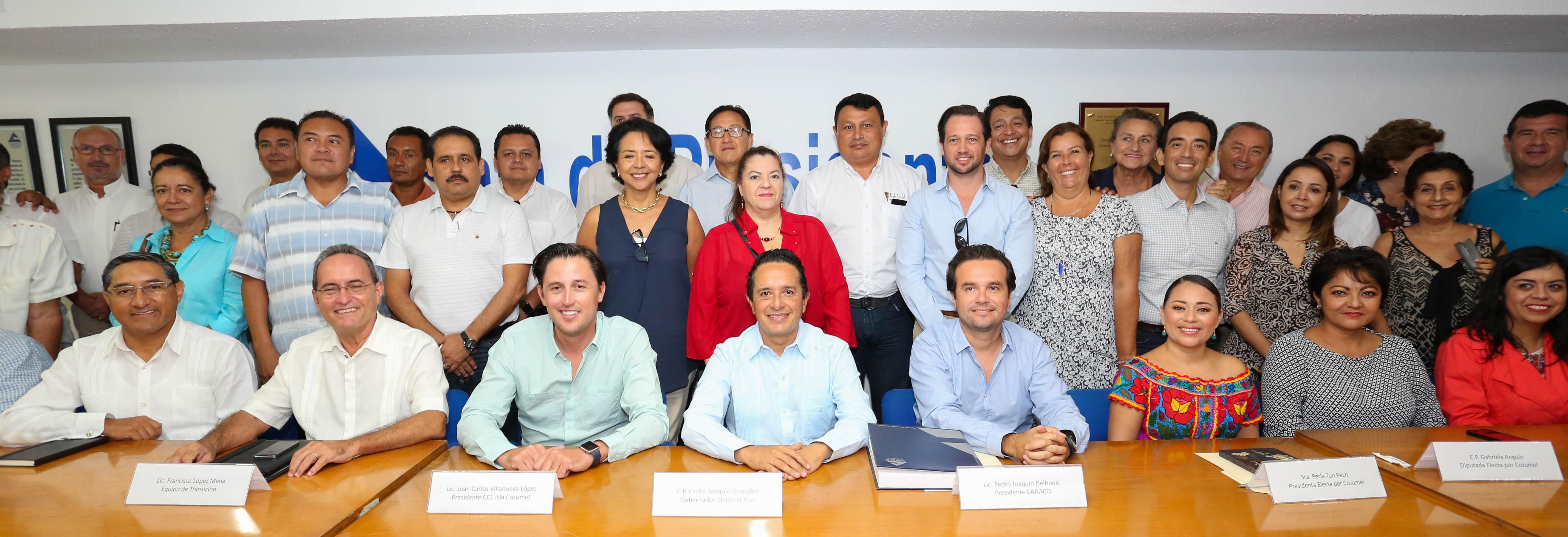 SE REÚNE CARLOS CON EMPRESARIOS DE COZUMEL: Explica Gobernador electo objetivos de los trabajos del equipo de transición