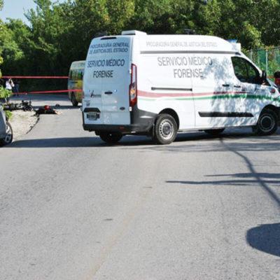 Identifican a motociclista muerto en accidente en carretera rumbo a Isla Blanca