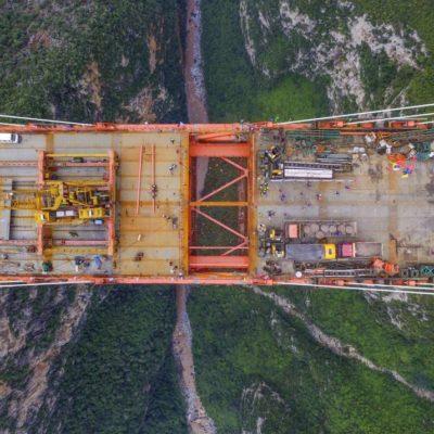 EL PUENTE MÁS ALTO DEL MUNDO ESTARÁ EN CHINA: Construyen espectacular estructura a 565 metros de altura