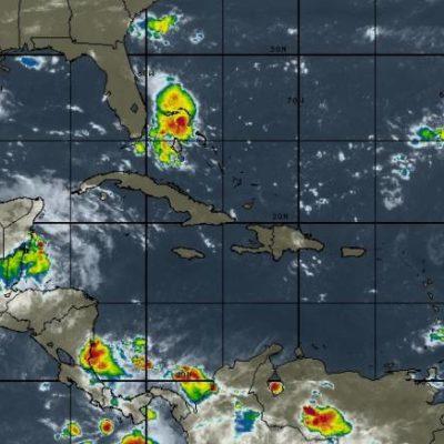 Prevén domingo con lluvias en la península de Yucatán por canal de baja presión