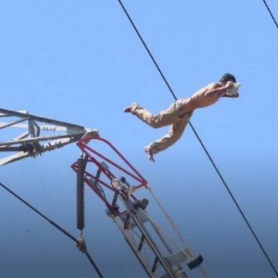 Un hombre se suicida al lanzarse de una torre de alta tensión