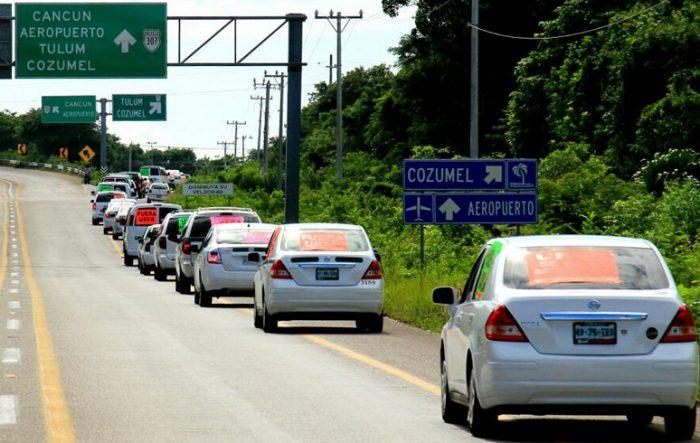 PROTESTAN CONTRA UBER EN EL SURESTE: Alistan taxistas rodada nacional hacia la CDMX para exigir a Peña echar a la empresa del país