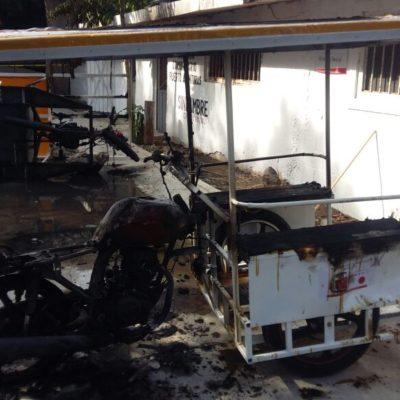 ESTALLA VIOLENCIA EN PUERTO AVENTURAS: Taxistas arremeten contra mototaxistas; un herido de bala y unidades destruidas, saldo preliminar