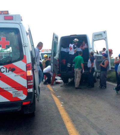 TRAGEDIA EN JALISCO: Al menos 11 muertos más de 14 heridos en choque triple en la carretera
