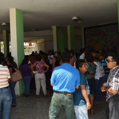 HERVIDERO DE BURÓCRATAS EN CHETUMAL: Paran labores empleados municipales para exigir bono trianual a Abuxapqui