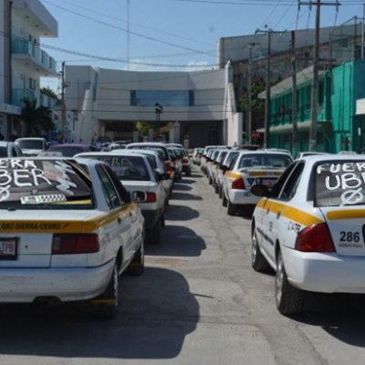 Taxistas preparan multitudinaria marcha contra Uber en los 11 municipios de QR