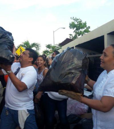 Ante el colapso de los servicios públicos, activa Cristina Torres brigadas emergentes para recoger la basura en Playa del Carmen