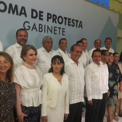 VIGILARÁ CARLOS AL NUEVO GABINETE: Presenta Gobernador a primeros funcionarios; les exige transparencia y cero corruptelas