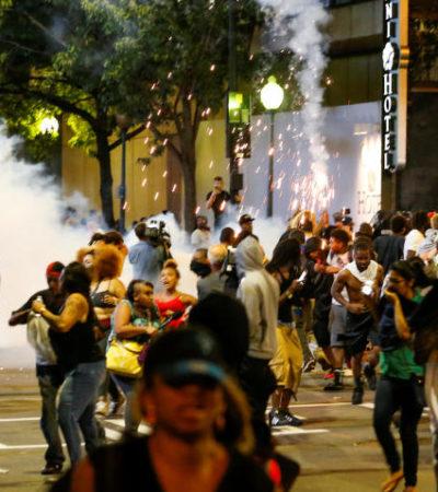 Declaran estado de emergencia en Carolina del Norte por disturbios tras muerte de un ciudadano negro a manos de policías
