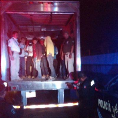 Detienen en Cárdenas camión con 140 indocumentados hacinados; detienen a 3 'polleros'