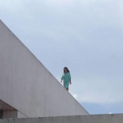 Intenta suicidarse una mujer desde la azotea del Hospital General de Playa del Carmen
