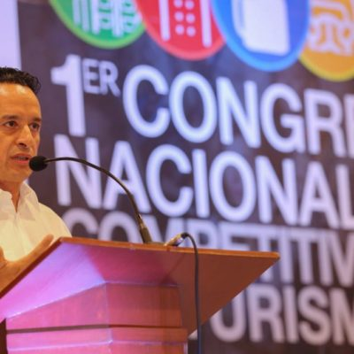 Acude Carlos Joaquín a Cozumel al Congreso Nacional de Competividad y Turismo