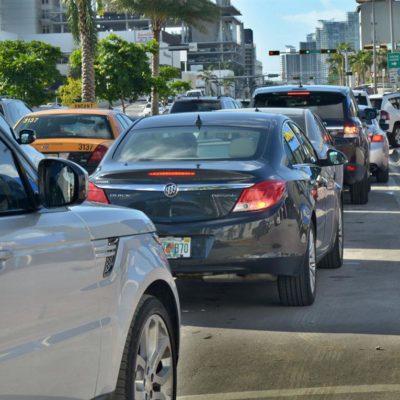 HUYEN DE 'MATTHEW' EN FLORIDA: Miles de personas abandonan sus casas ante la inminente llegada de poderoso huracán