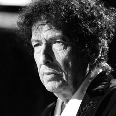 EL NOBEL ESTÁ EN EL VIENTO: Conceden el máximo premio de la literatura a Bob Dylan, el poeta del rock, el hijo de los 'beatnik'