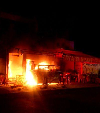 Explosión de tanque de gas en una taquería de Cancún deja a una mujer con graves quemaduras