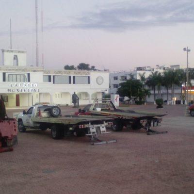 SIGUE EL CONFLICTO POR GRÚAS: Toman inconformes plaza '28 de Julio' para rechazar monopolio en favor de Abimerhi
