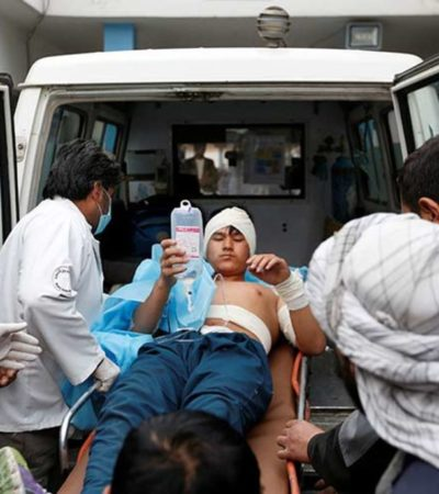 Más de 30 muertos en atentado suicida con bomba en mezquita de Afganistán
