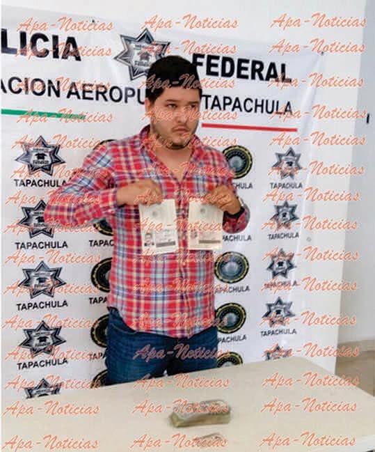 El detenido con los pasaportes falsos.
