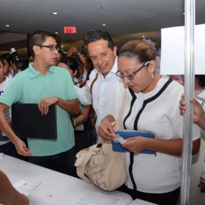 Inaugura Carlos Joaquín feria de empleo y dice que habrá más trabajos con mejores sueldos en Quintana Roo