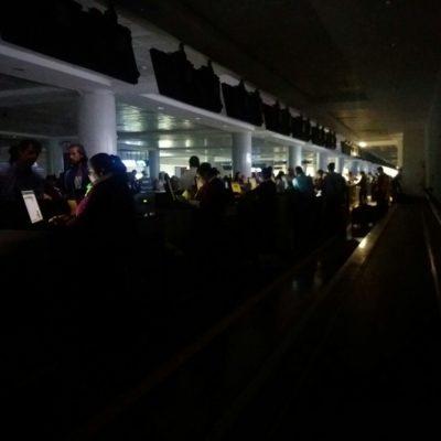 Sufre aeropuerto de Cancún segundo apagón en los últimos 4 días
