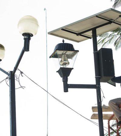 Colocan lámparas ahorradoras y celdas solares en el parque de Leona Vicario