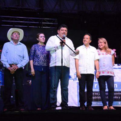 Clausuran Carlos Joaquín y Luis Torres la Expofer de Chetumal