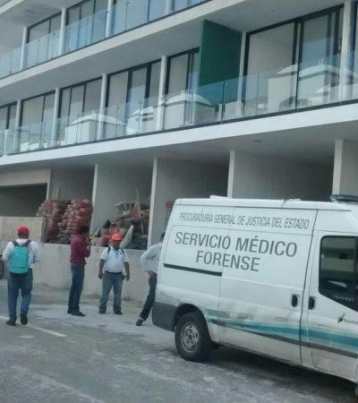 Fallece tablaroquero en Playa al caer del tercer nivel de un edificio de condominios en construcción