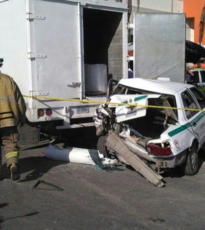 CAFRES AL VOLANTE Y CON UNIFORME: Policías de Cancún mandan al hospital a dos personas