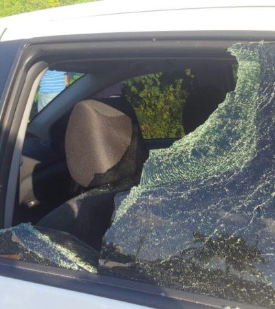 SIGUE LA PERSECUCIÓN CONTRA UBER: Agreden a batazos auto de conductor de empresa de taxis privados en Cancún