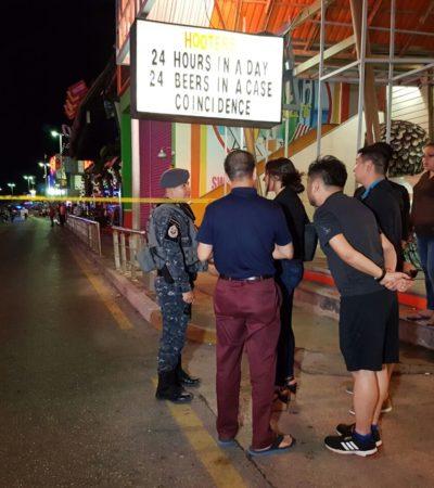 """""""¿WHAT HAPPENED?"""", """"¡QUÉ HORROR!"""": Balacera en el 'Mandala' trunca la noche de fiesta y huyen turistas de Punta Cancún"""