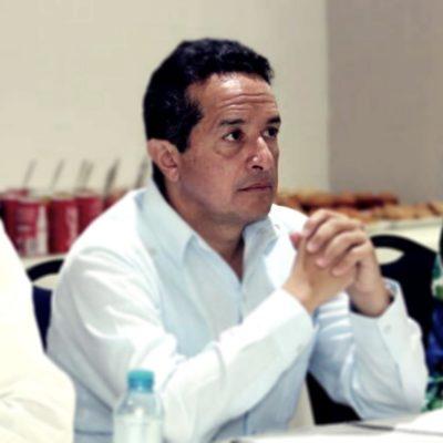 TRANSPARENTARÁ CARLOS PUBLICIDAD OFICIAL: Firma Gobernador acuerdo para rendir cuentas sobre acuerdos con medios en QR