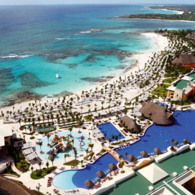 Defiende Eduardo Martínez propuesta de derecho de cobro de $20 por cuarto de hotel por noche a turistas en Solidaridad