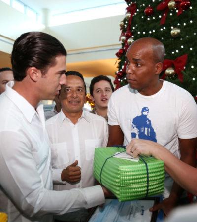 Reciben Carlos Joaquín y Remberto Estrada al pasajero 21 millones el aeropuerto de Cancún