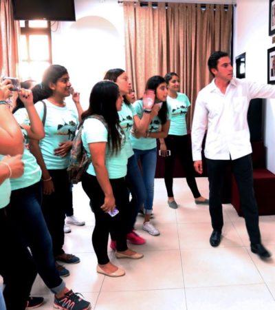 Recibe Remberto Estrada a estudiantes de preparatoria en el Palacio Municipal