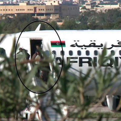 SECUESTRAN AVIÓN LIBIO Y ATERRIZA EN MALTA: Seguidores de Muamar Gadafi liberan a pasajeros y tripulación