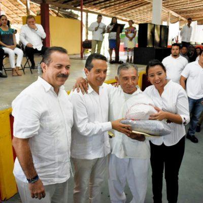 SALDAN DEUDAS CON DIGNATARIOS MAYAS: Entregan Gobernador y Sedesi pagos atrasados por 1.73 mdp