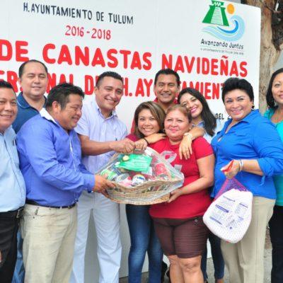 Dan canastas navideñas y pavos a empleados del Ayuntamiento de Tulum