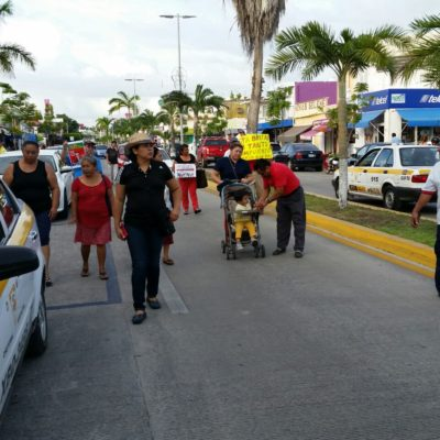Participan muy pocos en la primera marcha de protesta contra el gobierno de Carlos Joaquín