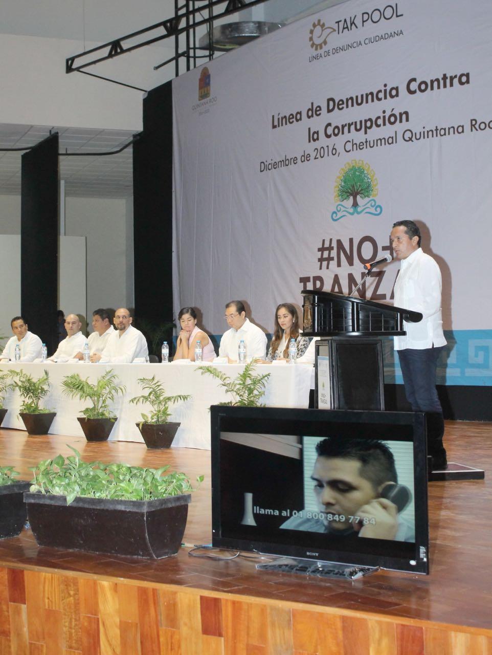 El Gobernador Carlos Joaquín González al detallar en qué consiste la nueva línea de denuncia ciudadana.