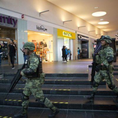 TARDE DE PÁNICO EN CANCÚN: Balaceras apagan el brillo de la ciudad y cierran comercios y plazas