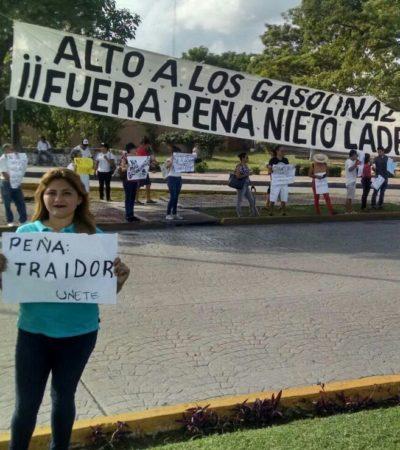 PROTESTAN EN CANCÚN Y CHETUMAL: Salen a las calles para rechazar gasolinazo y reemplacamiento