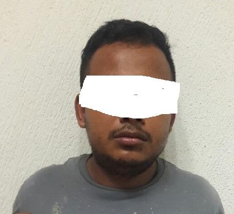 Fue detenido por actos de vandalismo en Playa y descubren fotos en su teléfono en las que violaba a su hija de 8 años