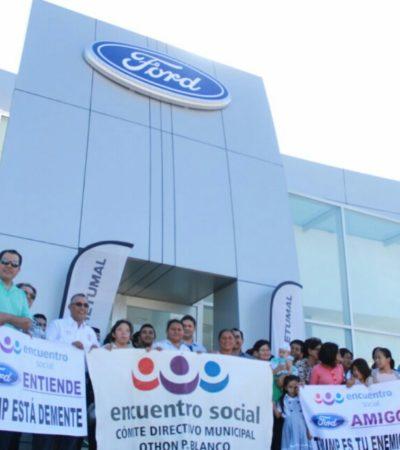 """""""TRUMP ES TU ENEMIGO"""": Encabeza Carlos Mario Villanueva plantón ante la Ford en Chetumal"""