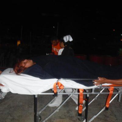 Rescata Marina a 3 personas que cayeron al mar desde un barco entre Isla Mujeres y Cancún