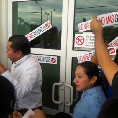 Protestan pacíficamente contra gasolinazo en Malecón Las Américas y 'clausuran' el SAT