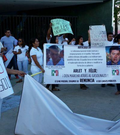 MARCHA CONTRA EL GASOLINAZO EN CHETUMAL: Protestan pacífica contra Peña Nieto, los saqueos y el aumento a los combustibles