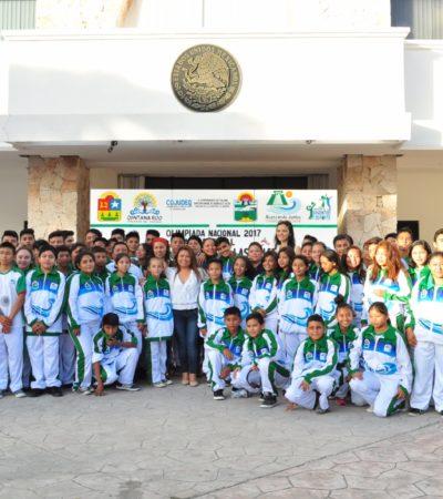Banderazo a las delegaciones de deportistas de Tulum que buscarán un lugar en la Olimpiada Nacional